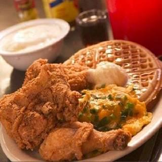 LoLo's Chicken & Waffles - Omaha