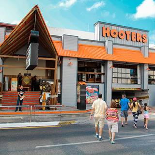 Hooters Cancún - Party Center