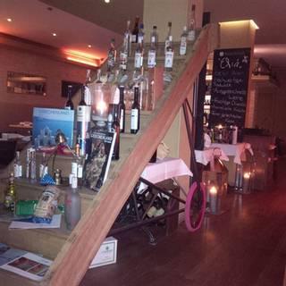 Eliá Restaurant & Bar