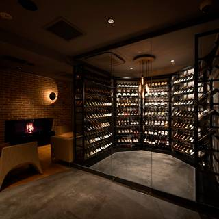 World Wine Bar by Pieroth Kagurazaka