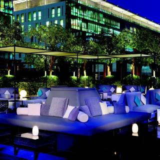 NO 5 LOUNGE & BAR - The Ritz-Carlton DIFC