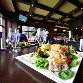 Range Lounge & Grill at Predator Ridge Resort