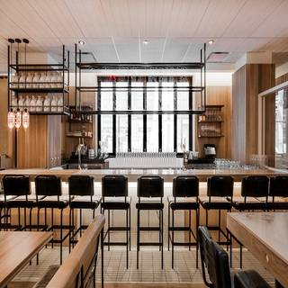 Earls Kitchen + Bar - Bankers Hall