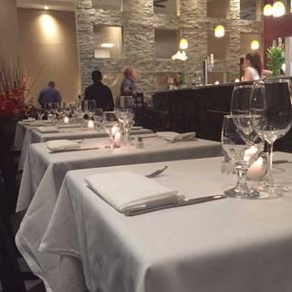 La Vela Dining Bar