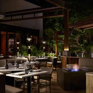Stripsteak waikiki restaurant honolulu hi opentable for Best private dining rooms honolulu