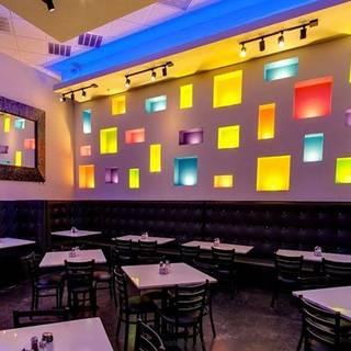 18 restaurants near at t stadium opentable for Dining at t stadium