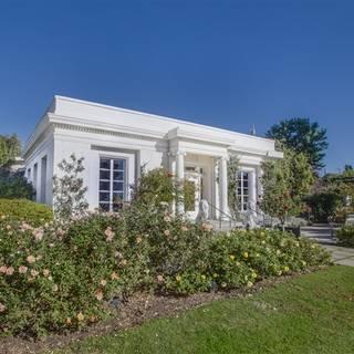 The Huntington's Rose Garden Tea Room