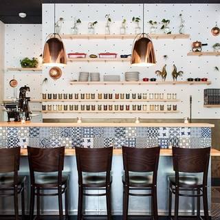 gildas italian restaurant and lounge portland or