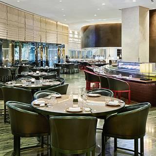 Armani Hashi / Armani Hotel Dubai