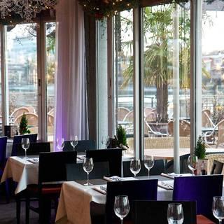 Glo Restaurant + Lounge