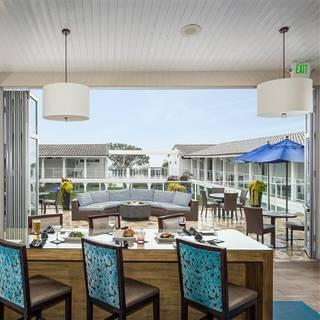 Hotel Indigo Oceanview Bar & Grill