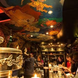 Ferro Bar & Cafe