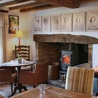The Swan Inn - Swinbrook