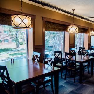Mallory's Restaurant & Rooftop Bar