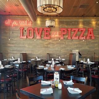 52 Restaurants Near North Riverside Park Mall Shopping Center