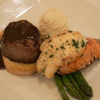 Lukas's Seafood & Grille