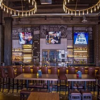 State & Main Kitchen + Bar - Hamilton