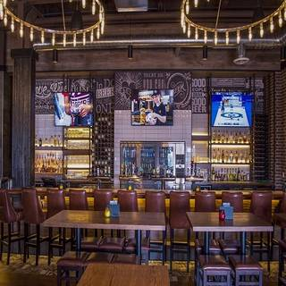 State & Main Kitchen + Bar - Kitchener