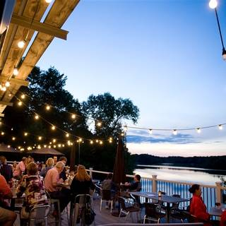 Birch's on the Lake Brewhouse & Supperclub