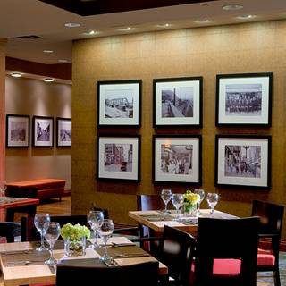The City Grille At Crowne Plaza Kansas