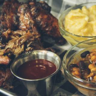 Charles and Darl's Smokehouse & Grill