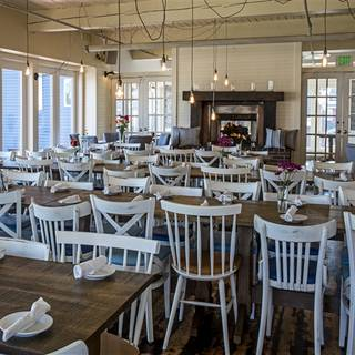 24 Restaurants Available Nearby