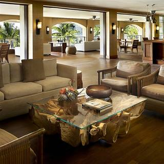 Sports Bar at Four Seasons Lanai