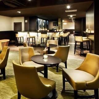 Thirty Bar - Holiday Inn Toronto Downtown Center