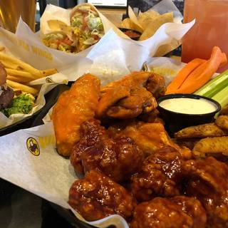 Buffalo Wild Wings - Holland
