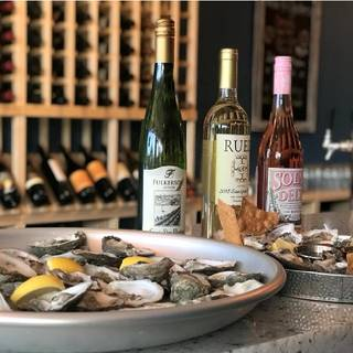 Wine 4 Oysters Bar & Bites