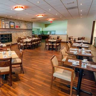 Spynn Restaurant - Holiday Inn Barrie