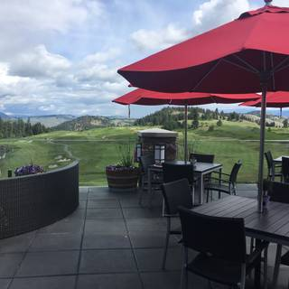 Range Lounge & Grill at Predator Ridge Resort