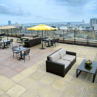 The VÜE Rooftop Bar & Lounge