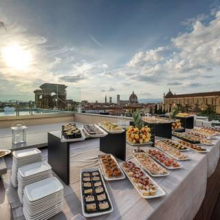 Empireo - Rooftop & Pool American Bar by Hotel Lucchesi