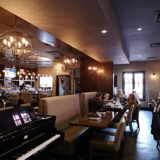 Cachet Restaurant + Bar