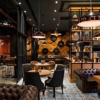 The Warehouse Wine & Tapas Bar  / Pearl Rotana Capital Centre / Abu Dhabi