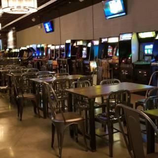 Izzy's Arcade Bar