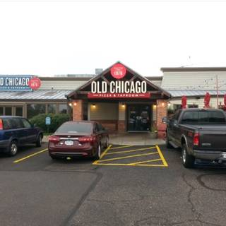 Old Chicago Pizza & Taproom - Lakewood