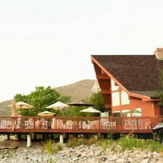 Dock of the Bay Restaurant & Event Center