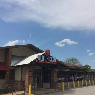 Old Chicago Pizza & Taproom - Bettendorf