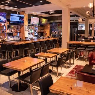 San Francisco Sports Grill & Bar - Executive Hotel Vintage Court