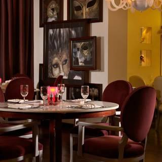Teatro Restaurant - Park Rotana