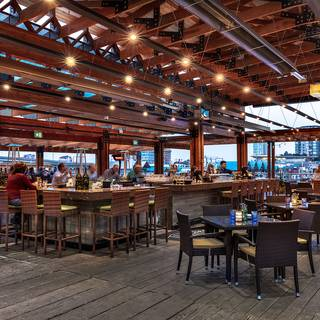 The Deck Kitchen & Bar at Pacific Gateway Hotel