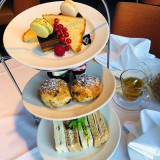 Afternoon Tea at DoubleTree by Hilton London Ealing