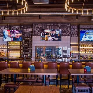State & Main Kitchen + Bar - Jasper Ave