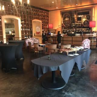 CRÚ Food & Wine Bar - The Domain