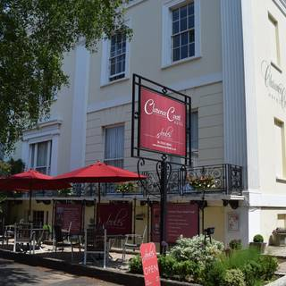 Joules Bar and Restaurant at Clarence Court Hotel