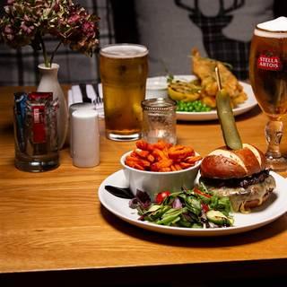 Salomons Estates Pub & Dining