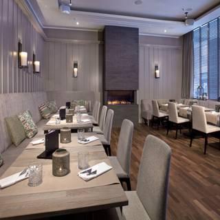 Lacoon Bar & Restaurant