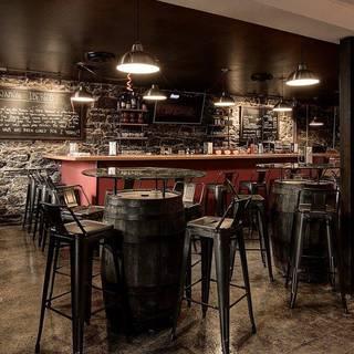 Ibéricos Taverne à Tapas Espagnoles